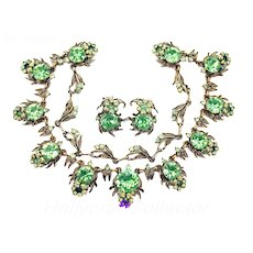 36095a - Hollycraft 1954 Peridot Color Stones Flower Necklace & Earrings