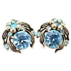 36489a - Signed Hollycraft 1954 Aqua/Teal Color Stones Flower Screw Back Earrings