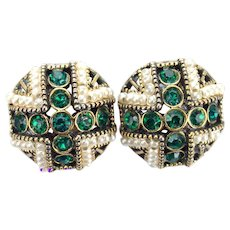 36946a - Signed Hollycraft 1954 Green Stones & Faux Pearls Clip Earrings