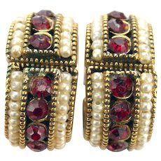36963a - Signed Hollycraft 1954 Red Chaton Stones & Faux Pearls Clip Earrings