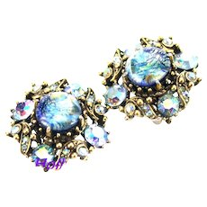 37117a - HOLLYCRAFT 1958 Blue Cat's Eye & Blue AB Round Clips Earrings
