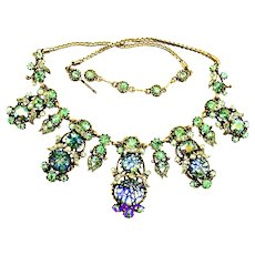 37155a - HOLLYCRAFT 1958 Green Cat's Eyes & Green AB Stones Huge Bib Necklace