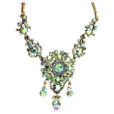 37166a - HOLLYCRAFT 1958 Green Cat's Eyes & Green AB Stones 3-Dangle Pendant/Necklace