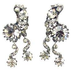37802a - Hollycraft 1958 Charcoal Rhinestones 2-Dangle Clips Earrings
