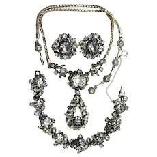 37832a - Hollycraft 1958 Charcoal On Gun Metal Necklace/Bracelet/Earrings Set