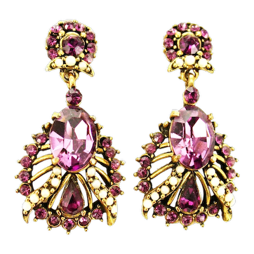 38459a - Signed HOLLYCRAFT 1953 Amethyst & Faux Half Pearls Dangle Clip-On Earrings
