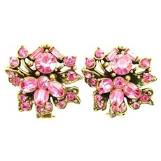 38867a - HOLLYCRAFT 1956 Pink Color Rhinestones Clip On Earrings
