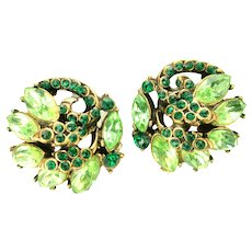 39132a - Hollycraft 1952 Peridot & Emerald Green Rhinestones Screw Back Earrings