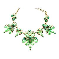 39579a - Hollycraft 1952 Peridot & Green Emerald Color Rhinestones Necklace