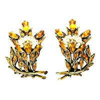 39736a - HOLLYCRAFT 1956 Topaz Color Stones Wired Seed Pearls Clip Earrings