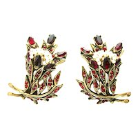 39747a - HOLLYCRAFT 1956 Red Color Stones Wired Seed Pearls Clip Earrings