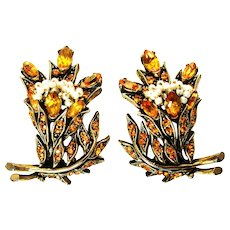 39772a - HOLLYCRAFT 1956 Topaz Color Stones Wired Seed Pearls Clip Earrings