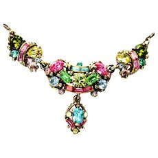 40101a - HOLLYCRAFT 1955 Pastel Necklace with Center Pendant