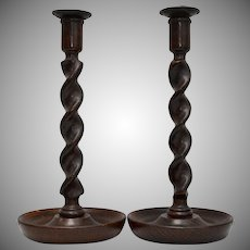 Early 1900s Barley Twist English Oak Turned Wood Pair of Taper Candle Holders