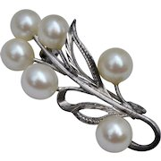 Japanese Sterling Silver & Lustrous White Akoya Pearl Brooch/Pin