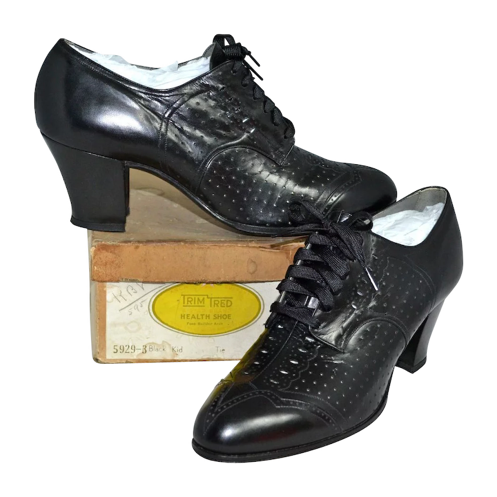 2f538b8590eb4 1930s Trim Tred ~ NOS Black Leather Spectator Style Lace-Up Witch Shoes w/  Original Box