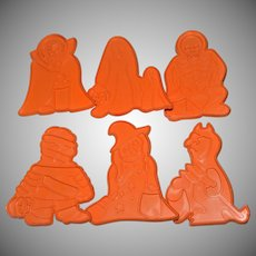 1979 Chilton Kiddy Kreetures Halloween Set of 6 Huge Monster Cookie Cutters