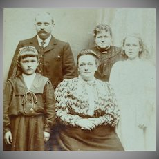 Victorian Family Fashion Portrait Cabinet Card ~ Signed F. Williams Photography, United Kingdom