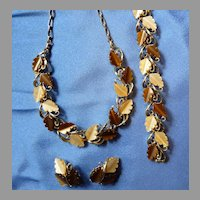 Thermoset Necklace Set