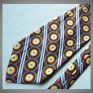 Wide Geometric Silk Tie