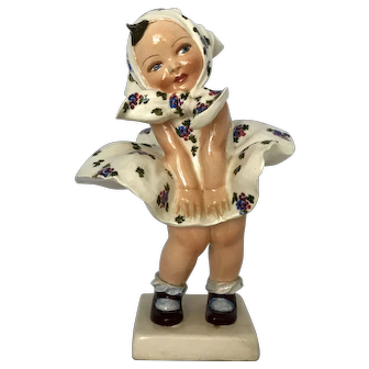 Italy Porcelain Girl with Dress Up