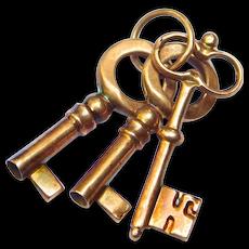 Victorian 10k Rose Gold Three Keys Charm Adorable