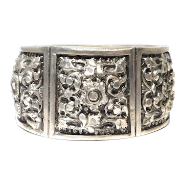 Beautiful Early Silver Ethnic Wide Repousse Bangle Bracelet