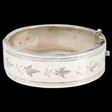 Elegant Victorian Engraved Silver Bangle Bracelet Ivy Design