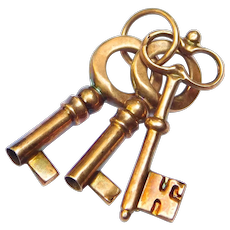 Victorian 10k Rose Gold Three Keys Charm Adorable