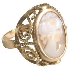Mid Century Shell Cameo Ring On 18k Yellow Gold Ring Stamped Ring Size 6.75 US
