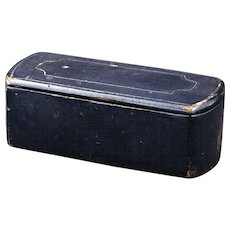 18/19th century black lacquer hinged European snuff box