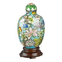 Chinese snuff bottle with floral motif in enamel and sterling silver 18th/19th century