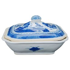 Chinese Blue and White Canton ware serving bowl with lid 18th/19th century