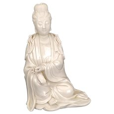 Chinese Dehua Blanc de Chine Seated Guanyin Late 19th – Early 20th Century