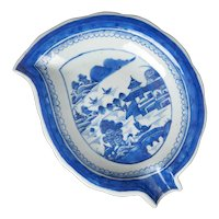 Chinese Canton Export Leaf Dish 18th/19th Century