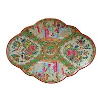 Chinese Rose Medallion Serving Dish Late 19th Century