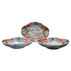 Set of Three Japanese Meiji/Taisho Lozenge-Shaped Imari Dishes