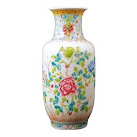 Chinese Polychrome Floral Vase Late Qing/Republic Period