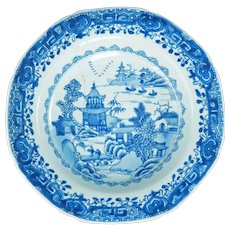 Chinese Export Willow Pattern Shallow Bowl 18th Century