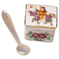 Chinese export over glaze enamel porcelain lidded salt with matching mother of pearl spoon circa 1900