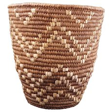 Imbricated Indian Klickitat berry basket early 20th Century