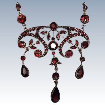 Antique Edwardian Bohemian Garnet Victorian Necklace