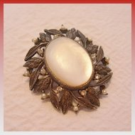 Vintage Mother-of-Pearl Brooch/Pendant Combination