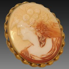 Vintage Ceramic Cameo Brooch