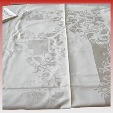 Vintage Damask Reversable Tablecloth with Matching Napkins