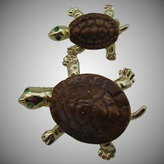 A pair of Turtle scatter pins Mommy and baby