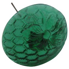 Wonderful Green glass hat pin with Honey bee motif