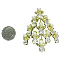 A choir of Angels Christmas tree pin Book piece