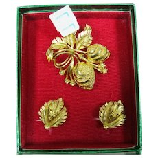 Lisner Christmas pin and earring set still in the box from the 60's