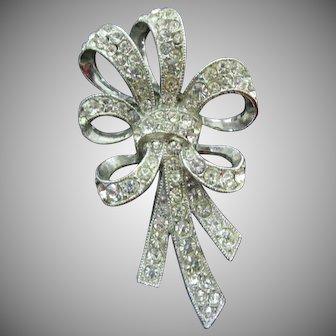 ORA Rhodium plated clear rhinestones bow pin